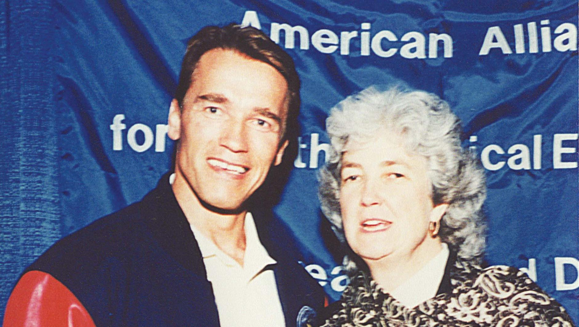 Murray with Arnold Schwarzenegger, then chair of the President's Council on Physical Fitness